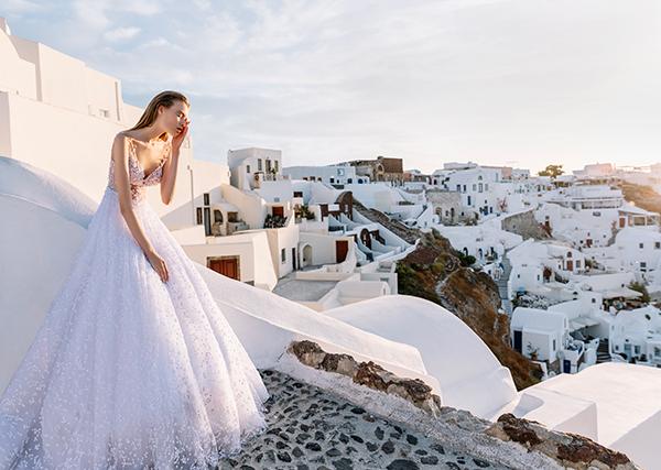 beautiful-shoot-santorini-costantino-wedding-dresses-8