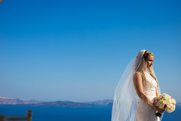 pink-and-gold-wedding-in-santorini-17