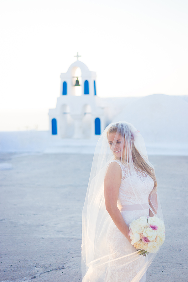 pink-and-gold-wedding-in-santorini-4