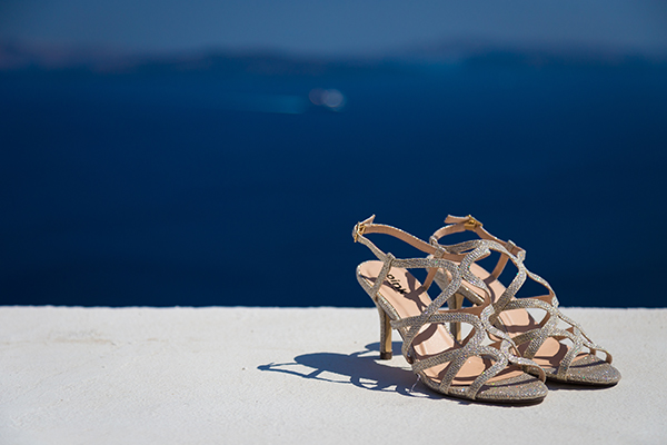 pink-and-gold-wedding-in-santorini-9