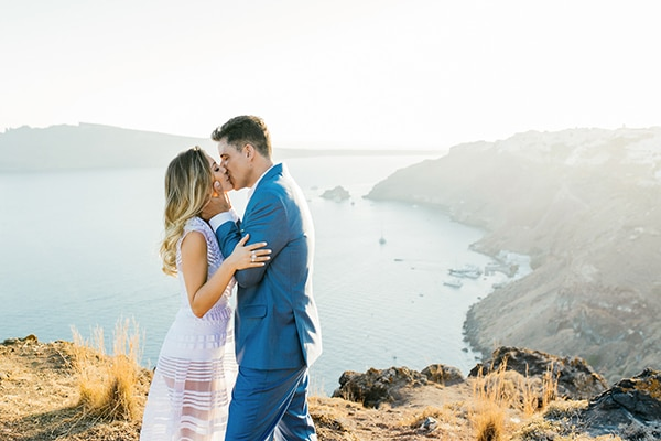 amazing-wedding-proposal-santorini_02.