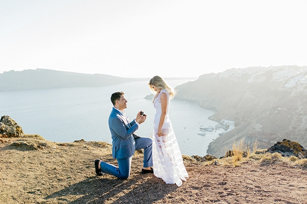 amazing-wedding-proposal-santorini_13.