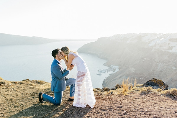 amazing-wedding-proposal-santorini_14.