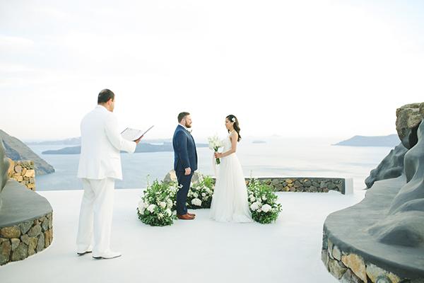 modern-intimate-elopement-santorini_15.