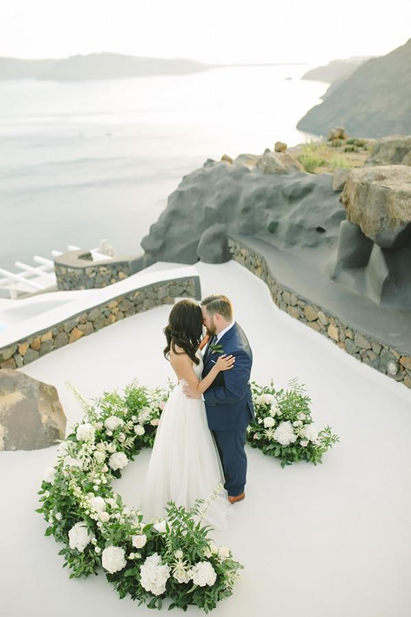 modern-intimate-elopement-santorini_21.