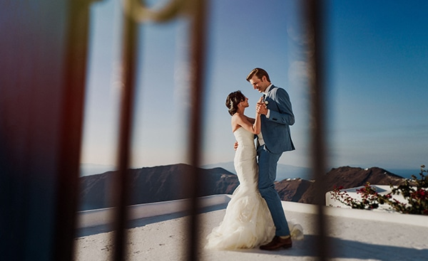 romantic-intimate-wedding-santorini-_05.