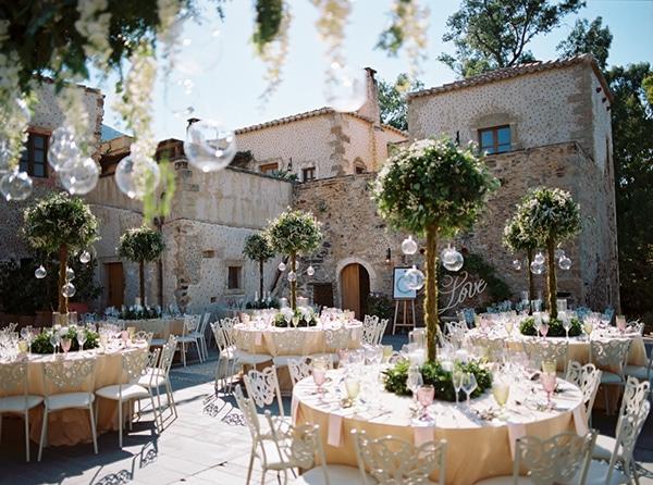 chic stylish soft tones wedding decoration ideas-09