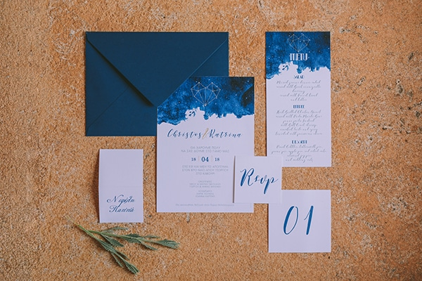 gorgeous-chic-styled-shoot-royal-blue-hues_04