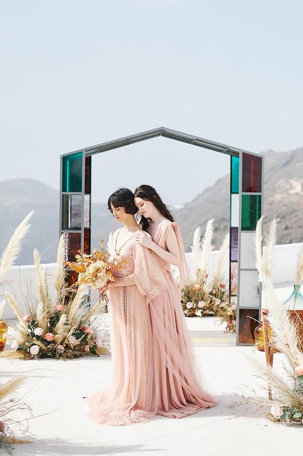 dreamy-photoshoot-light-pink-beige-hues_01