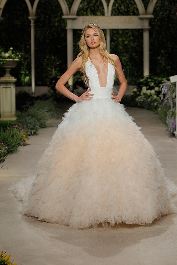 impressive-bridal-fashion-show-that-mesmerize-us-pronovias-barcelona_07