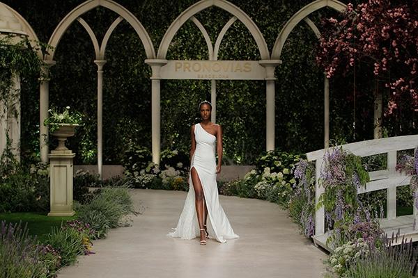 impressive-bridal-fashion-show-that-mesmerize-us-pronovias-barcelona_09