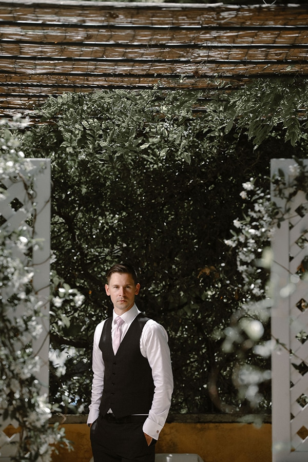 lovely-gothic-styled-wedding-_10