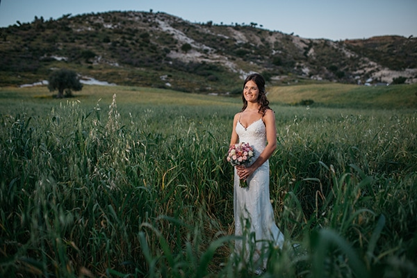 rustic-romantic-cyprus-wedding-_03
