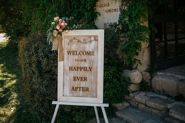 rustic-romantic-cyprus-wedding-_26