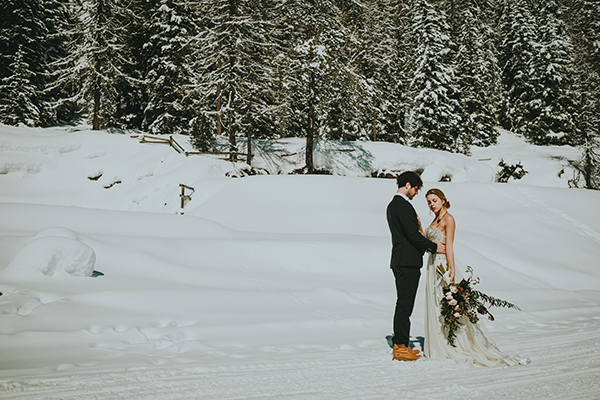dreamy-elopement-woods_05x