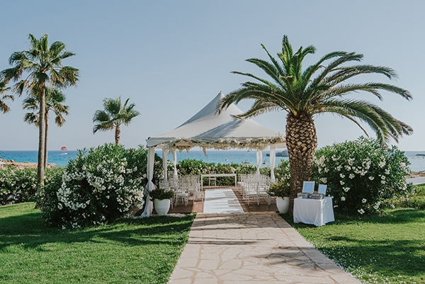 dreamy-wedding-overlooking-ocean_13