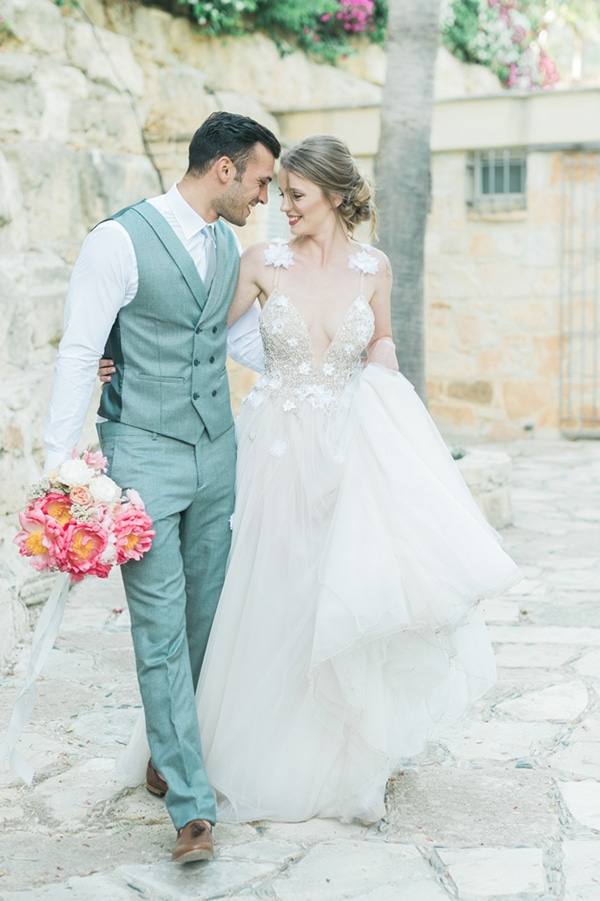 gorgeous-inspiration-shoot-bright-colours-cyprus_13