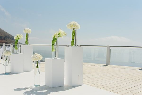 intimate-wedding-minimal-details-santorini_11