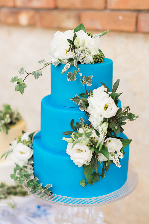 royal-blue-stylish-shoot-15