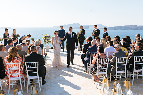 santorini-wedding-with-an-elegant-style_15