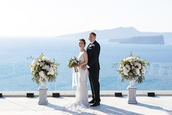 santorini-wedding-with-an-elegant-style_19