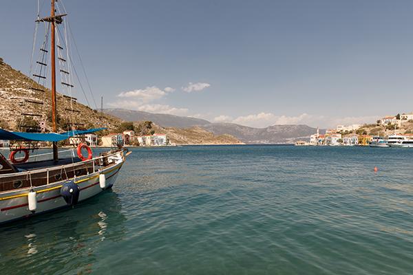 traditional-greek-wedding-green-beige-hues_16