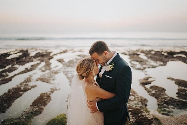 dreamy-wedding-overlooking-sea-bali_01