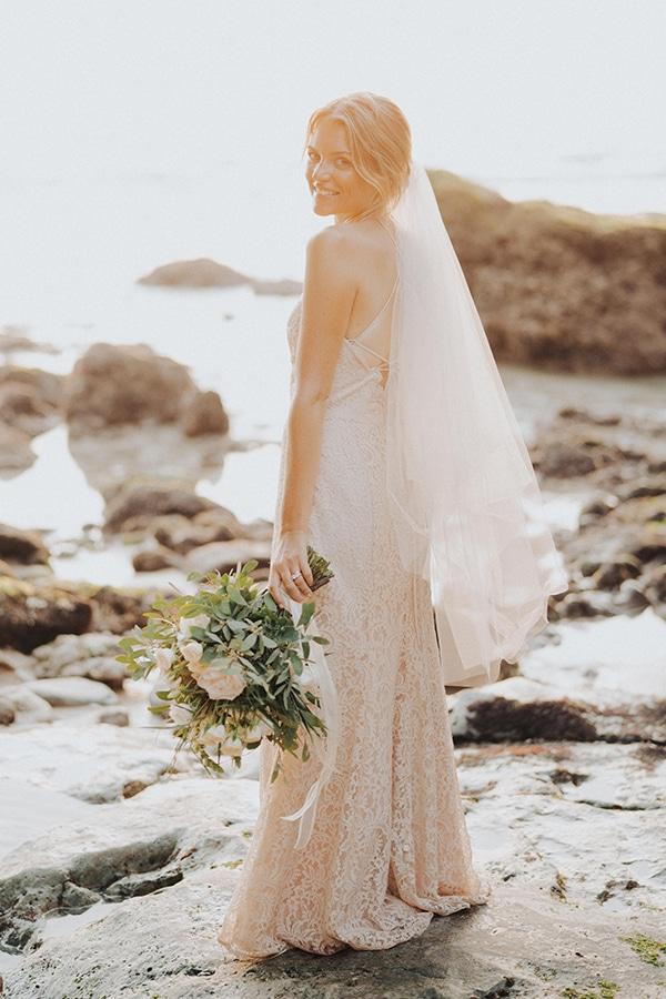 dreamy-wedding-overlooking-sea-bali_04