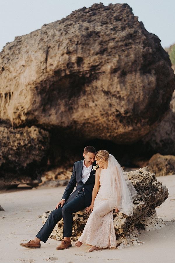 dreamy-wedding-overlooking-sea-bali_25