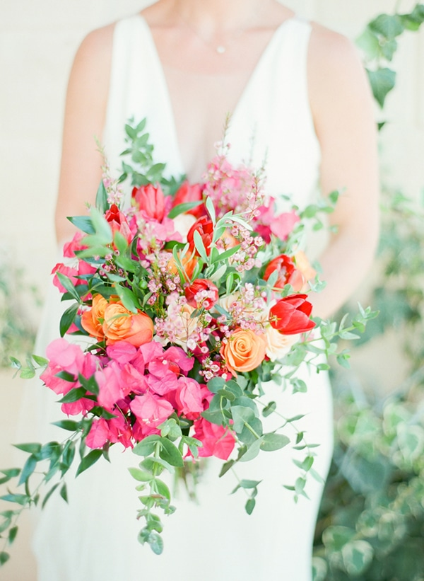 gorgeous-wedding-colorful-flowers_02x