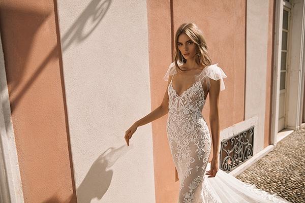 classic-flawless-wedding-dresses-berta_09
