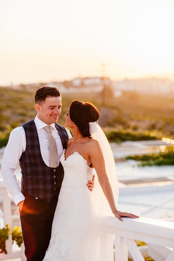 fairytale-chic-wedding-santorini_27