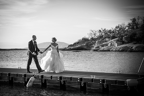 island-chic-wedding-black-white-hues_23