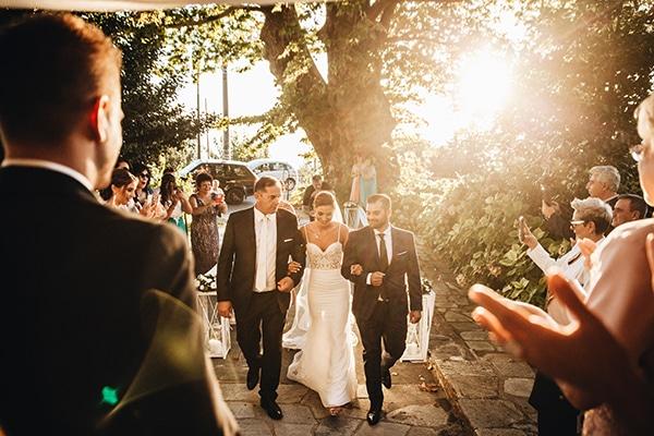 minimal-chic-mountain-wedding-portaria_17