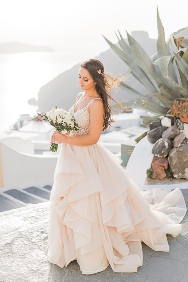 gorgeous-intimate-wedding-santorini_03