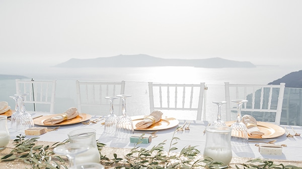gorgeous-intimate-wedding-santorini_11