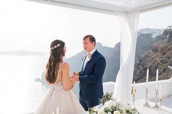 gorgeous-intimate-wedding-santorini_15