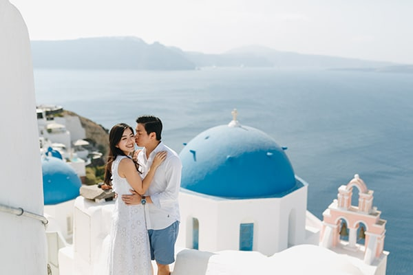 romantic-engagement-session-santorini_04