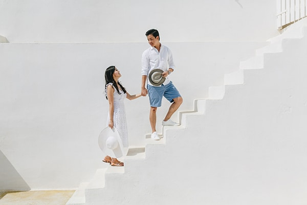 romantic-engagement-session-santorini_05