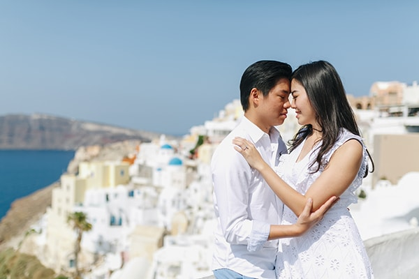 romantic-engagement-session-santorini_07