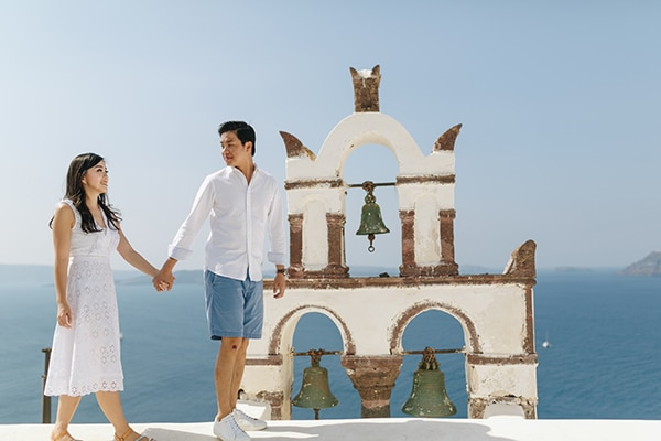 romantic-engagement-session-santorini_07x
