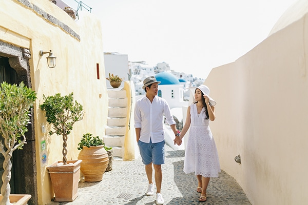 romantic-engagement-session-santorini_10
