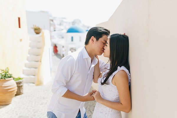 romantic-engagement-session-santorini_12