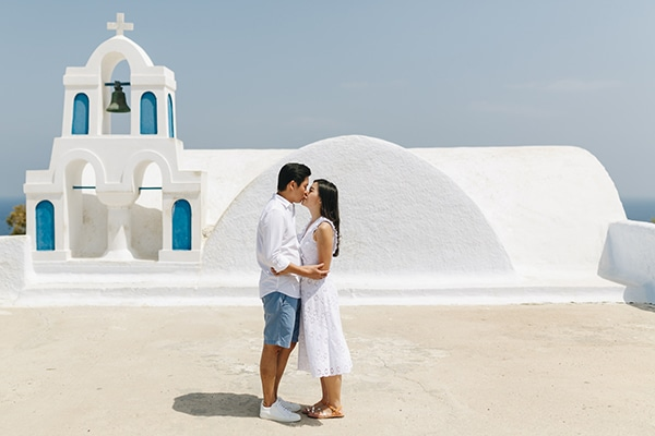 romantic-engagement-session-santorini_13