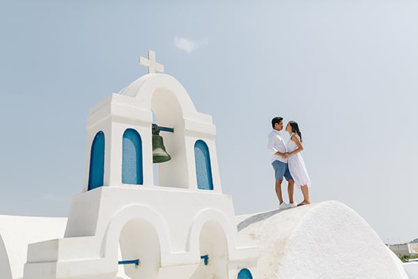 romantic-engagement-session-santorini_14