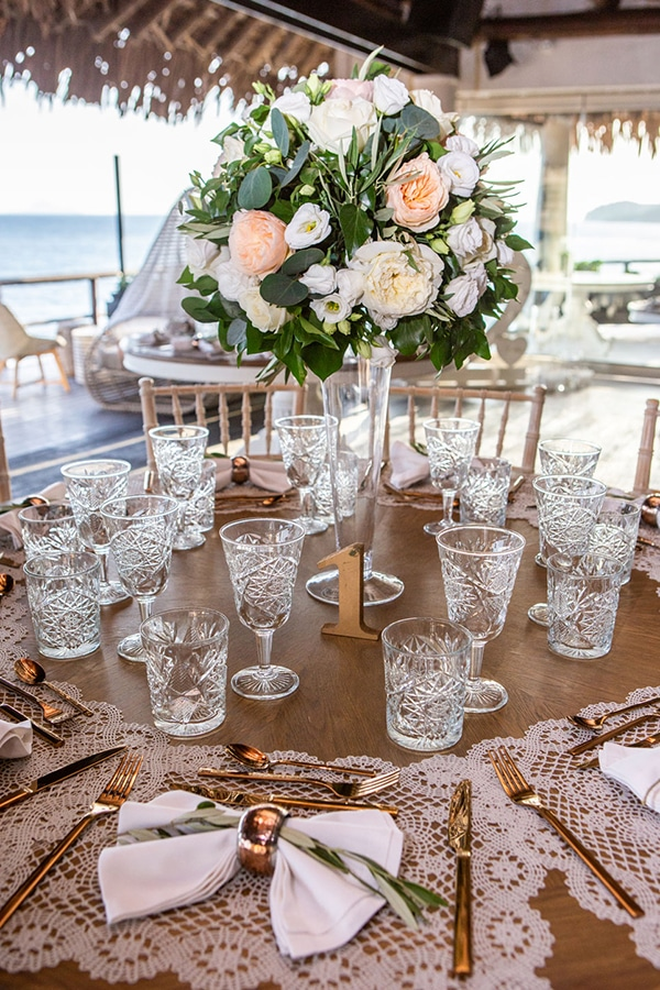 dreamy-wedding-santorini-peach-white-colors_25
