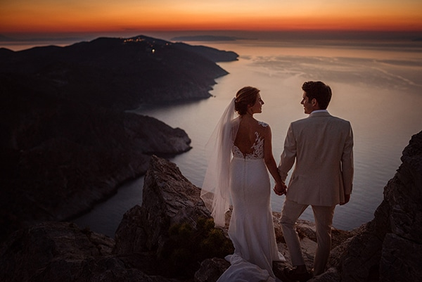romantic-wedding-beautiful-folegandros_35X