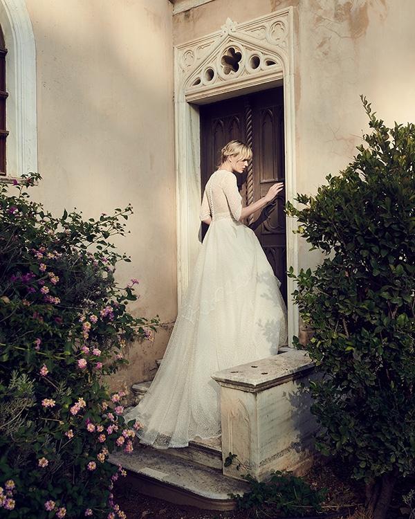 amazing-bridal-creations-fall-wedding-costarellos_08