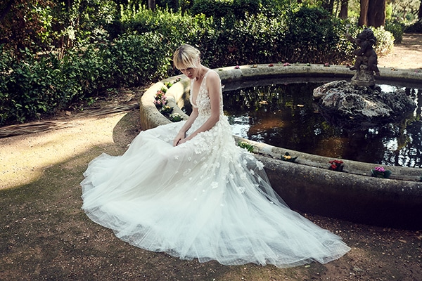 amazing-bridal-creations-fall-wedding-costarellos_12