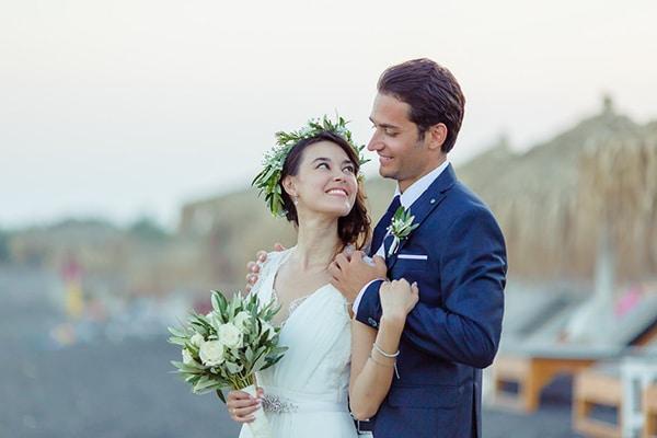 beautiful-beach-wedding-santorini_01
